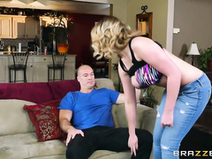 Blonde with hot big boobs Brooke Wylde excites her boyfriend with deep blowjob