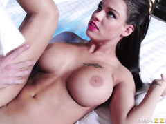 Peta Jensen's pussy oozes out with hot love creams